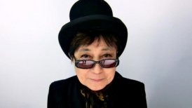 'Take Me to the Land of Hell' es el más reciente álbum editado por Yoko Ono junto a The Plastic Ono Band.