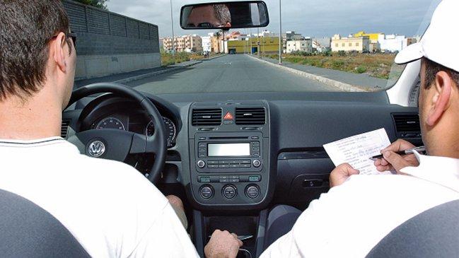 352605c7dd182 Conoce qué errores te dejarán sin licencia de conducir en el examen ...