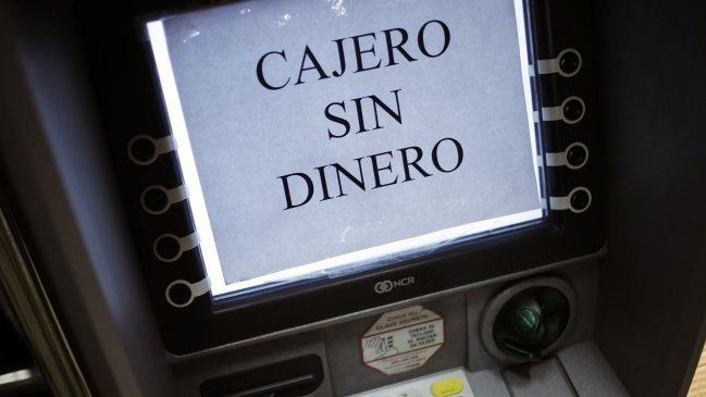 Jorge awad los bancos pueden tener menos cajeros pero son m s seguros for Dinero maximo cajero