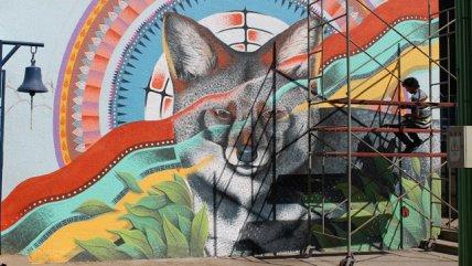Fotos artista pinta murales con animales chilenos en for Carpenter papel mural santiago chile