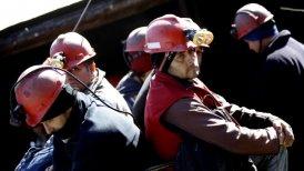 """Los trabajadores afirman estar decididos a permanecer atrincherados al fondo de la Mina Santa Ana, asumiendo """"todos los riesgos que eso significa""""."""