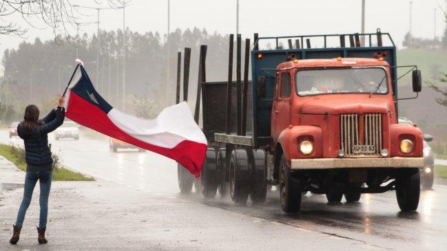 Camioneros acudieron al encuentro con Jorge Burgos en La Moneda