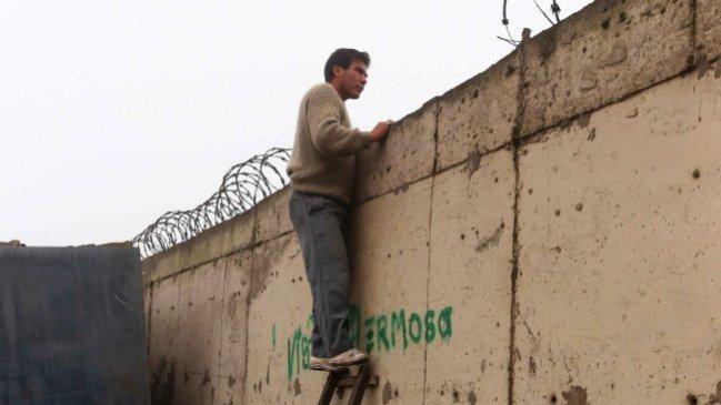 El muro que divide a ricos y pobres en Lima, espejo de la desigualdad en América Latina