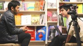 El autor entrevistando a Claudio Narea, quien junto a Los Prisioneros visitó Concepción en los inicios de la banda.