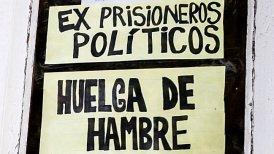 """""""¿Por qué llevamos adelante esta movilización? Porque estos gobiernos, durante 26 años de supuesta democracia, se han dedicado a lucrar y a robarse la plata del pueblo chileno"""", dijo uno de los huelguistas."""