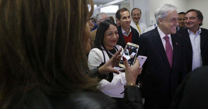 Baño Nuevo Coyhaique:El ex Presidenta Sebastián Piñera recorrió la clínica municipal