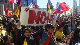 Resultado de imagen para Con pensión como esta ($ 315 al mes), los chilenos se preguntan cómo podrán retirarse alguna vez