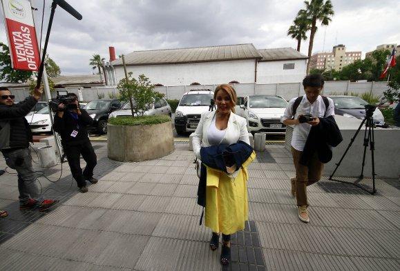 Baño Nuevo Coyhaique:Fotos] Candidatos llegan a sus comandos para esperar resultados de