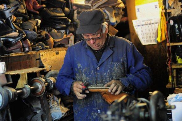 Fotos este martes es el d a internacional del zapatero for Imagenes de zapateros