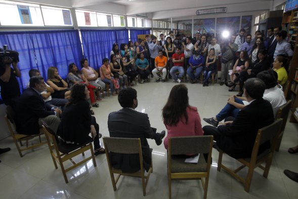Fotos gobierno sali a terreno para dialogar con los for Subsecretario del interior