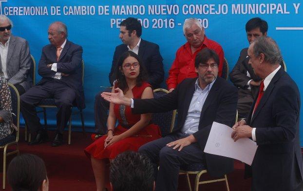 """Baño Nuevo Coyhaique:El comunista Daniel Jadue, creador de las famosas """"farmacias populares"""