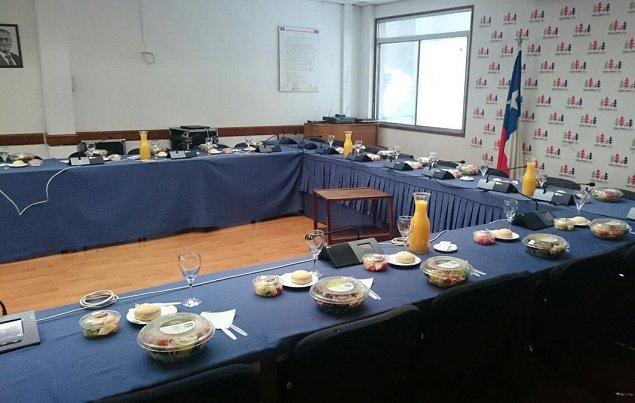 DC convoca reuniones extraordinarias tras renuncia de Badenier a campaña de Goic