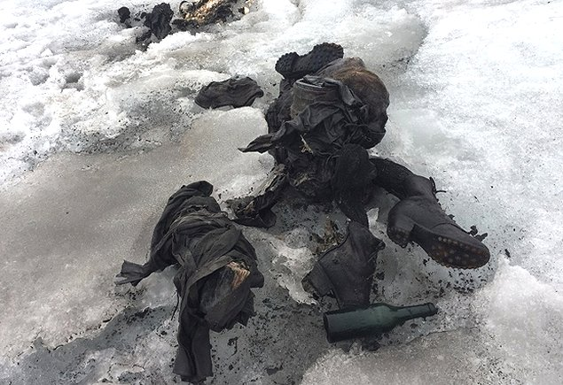 A lost couple 75 years ago appeared frozen in a glacier — Switzerland