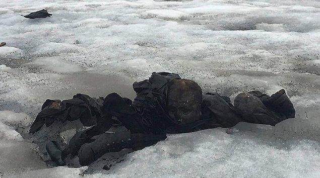 Matrimonio desaparecido hace 75 años estaba congelado dentro de un glaciar