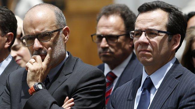 Ministros de Hacienda y Economía renunciaron tras crisis por Dominga - Cooperativa.cl