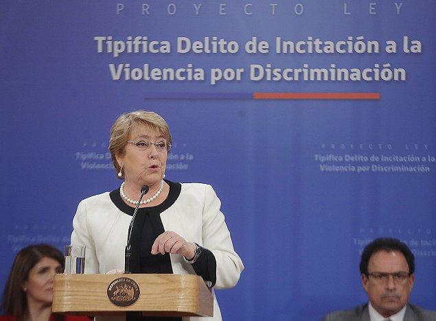 Bachelet firma proyecto que sanciona