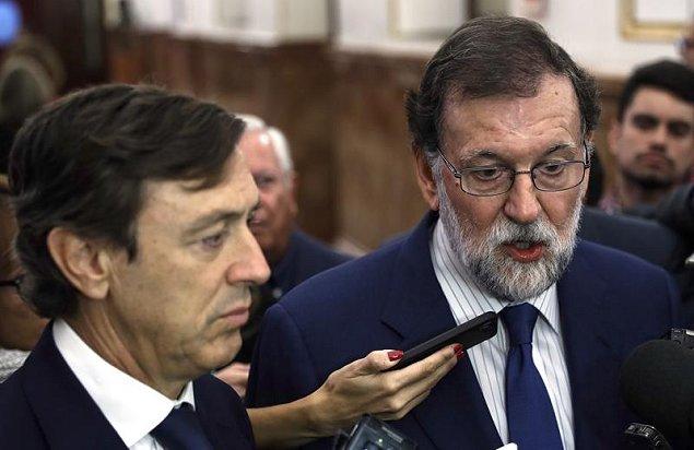 Rajoy pide al Gobierno catalán que renuncie a la
