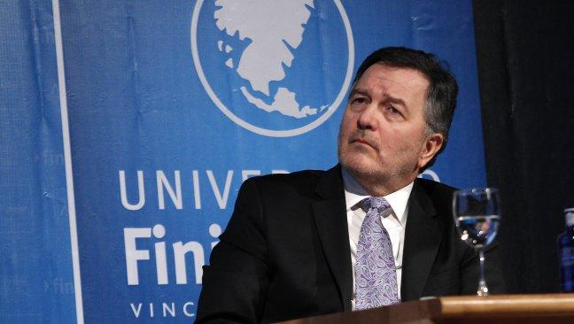 Resultado de imagen para ministro de Exteriores chileno, Roberto Ampuero.