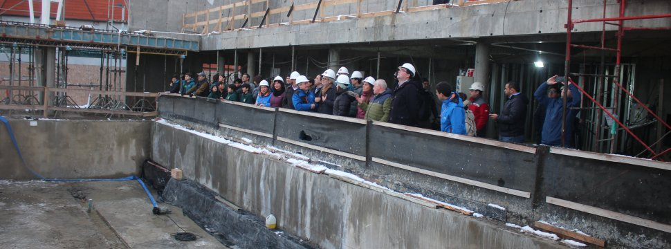 Puerto natales ministro mop constat avances de piscina for Construccion piscina temperada