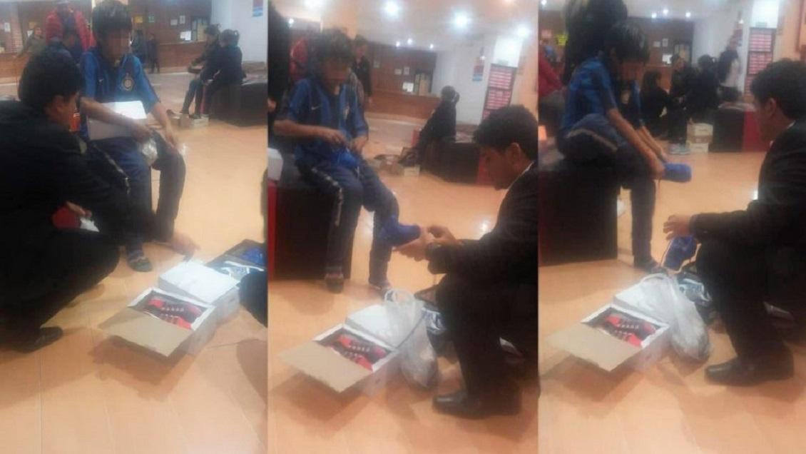 FOTOS: Compra zapatos a niño descalzo que pedía unas monedas