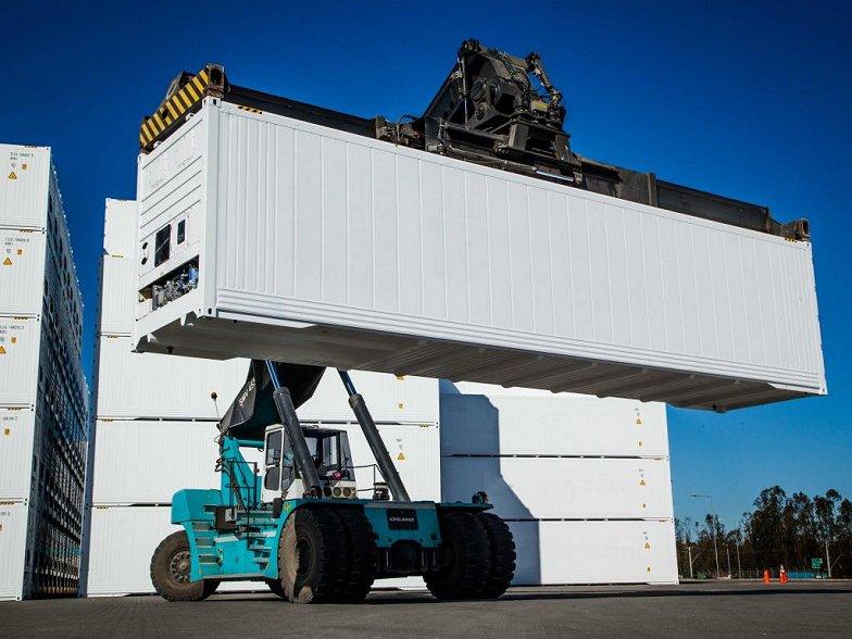 1.200 personas desempleadas: Maersk anuncia cierre de fábrica en Chile