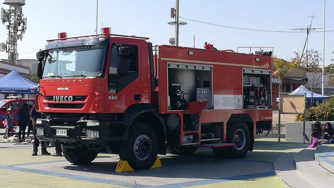 Bomberos de Mejillones recibió nuevo carro para emergencias