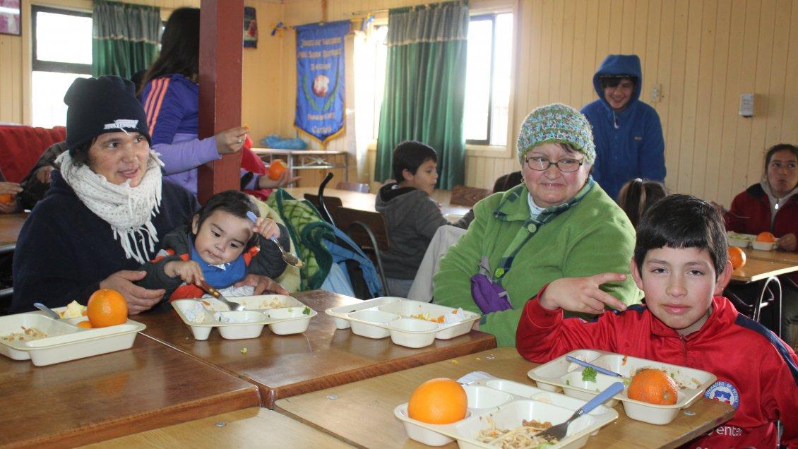 Curic municipalidad instalar comedores de invierno para for Comedores para bebes