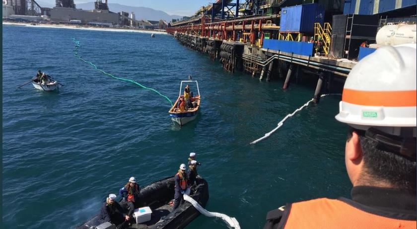 Fiscalía Marítima investiga nuevo derrame de petróleo en Quintero
