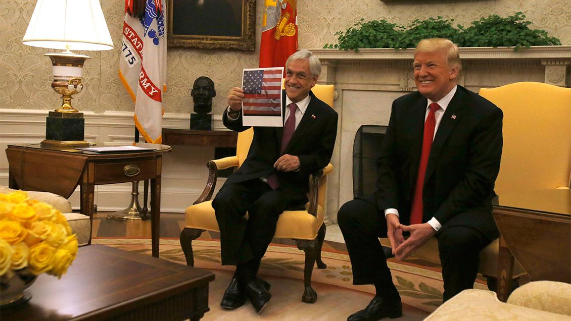 Bandera de Piñera: Oposición tildó acto de
