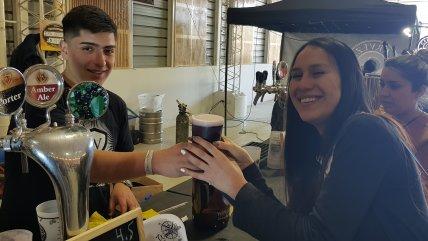 Los Ríos: Más de seis mil litros de cerveza artesanal esperan a los valdivianos