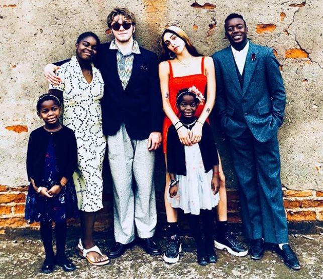 Se animó: la primera foto de Madonna con sus seis hijos