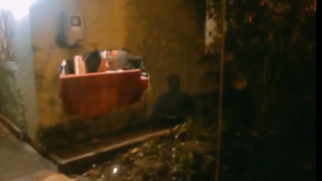 Auto terminó incrustado en una casa tras persecución policial en El Bosque