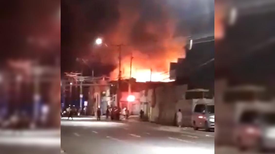 Incendio afecta al casco antiguo de Iquique