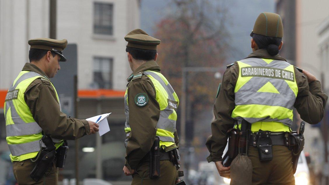 Cadem: 63 por ciento de chilenos apoya ampliar controles preventivos