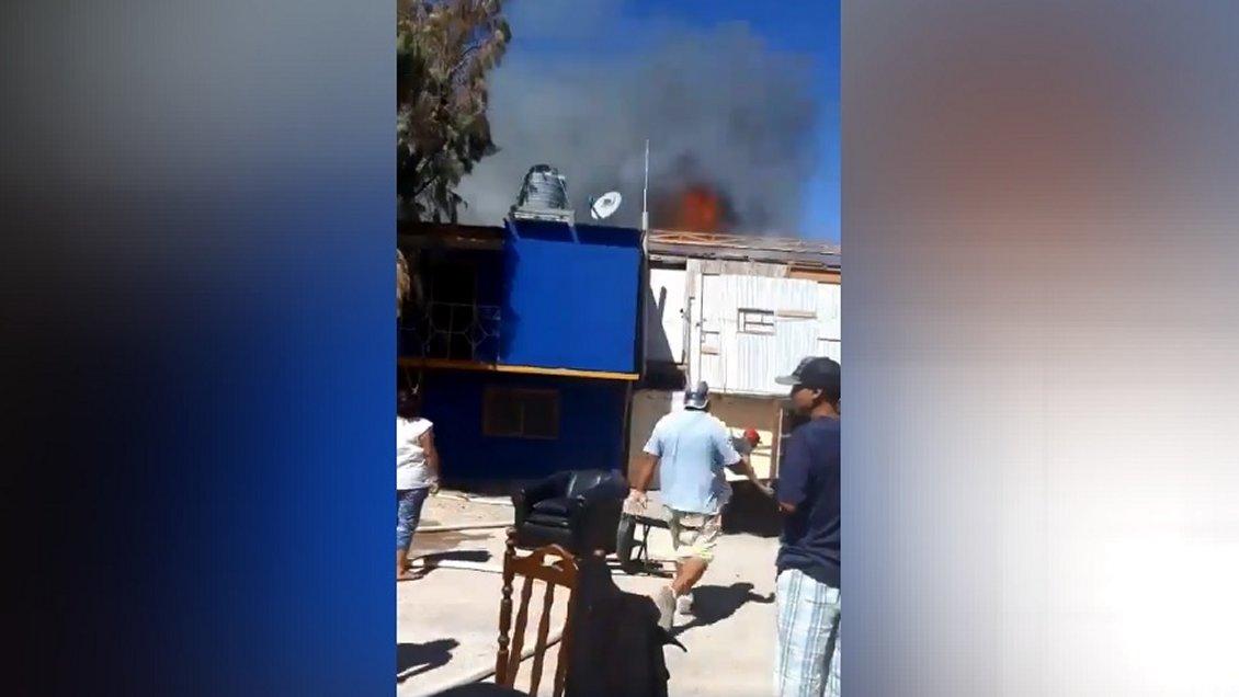Incendio consume al menos seis casas en el poblado de La Tirana