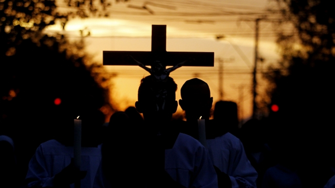 Jesuitas sancionaron a sacerdote por