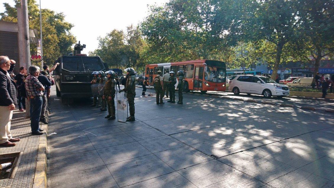 Vendedor ambulante falleció al ser atropellado tras huir de Carabineros