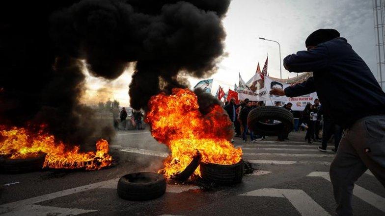 Dificultades en transporte durante paro impulsado por sindicatos en Argentina