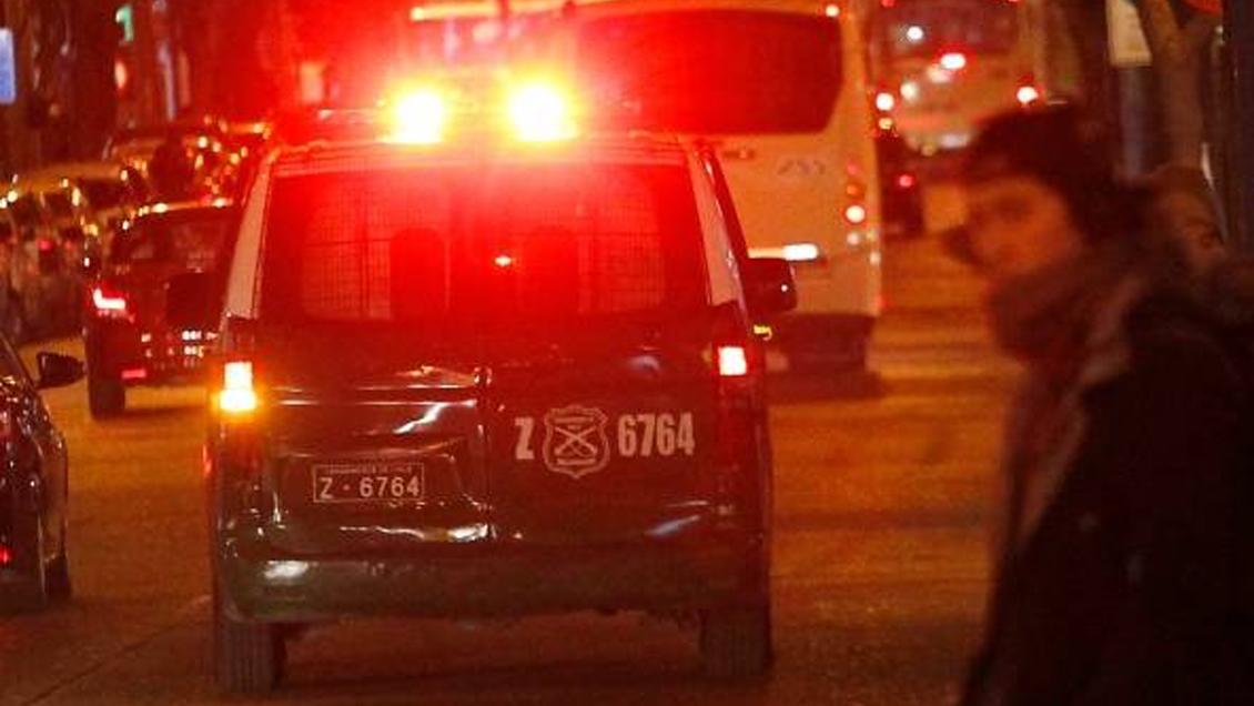 Mujer fue detenida por quemar las manos de sus nietos en Quilicura