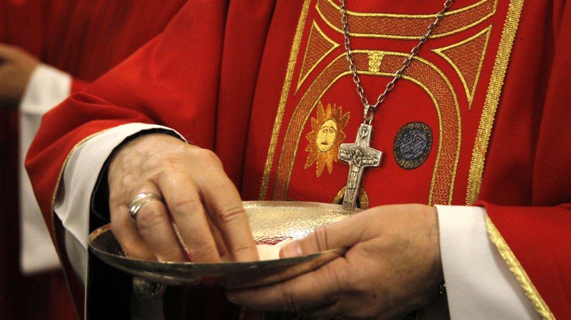 Sacerdote sancionado por abuso a menores en EEUU celebra misas en el sur de Chile