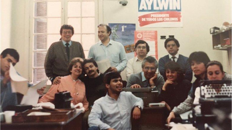 A los 57 años, fallece emblemático periodista de TVN Fidel Oyarzo