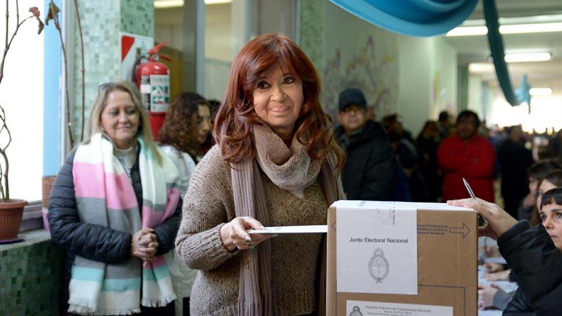 Analista político y primarias argentinas: Pesó más la economía que la corrupción