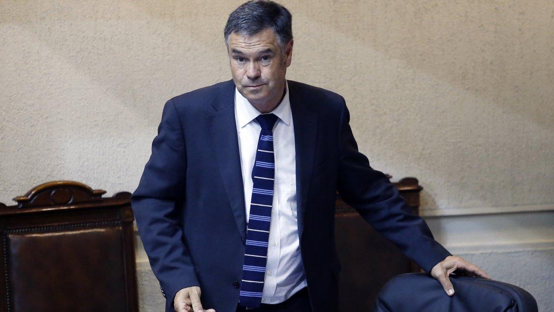 Ossandón apoyó críticas de Codina por tibia reacción a masacre en Puente Alto