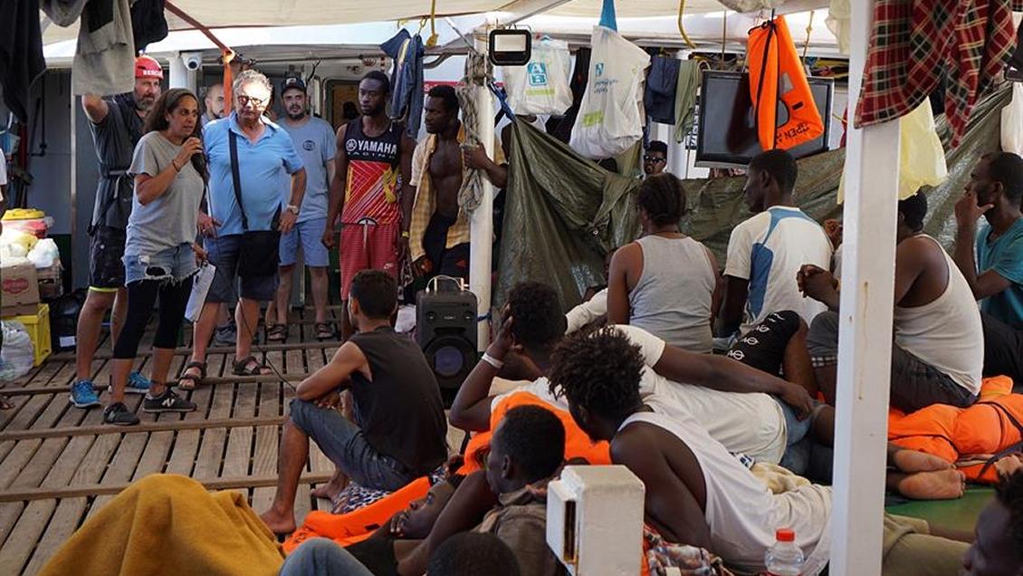 Fiscalía italiana ordenó la incautación del Open Arms y el desembarco de los migrantes