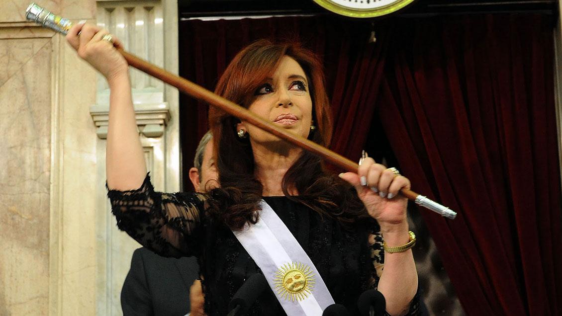 Cristina Fernández: La gente no vota a presidentes para que culpen a otros