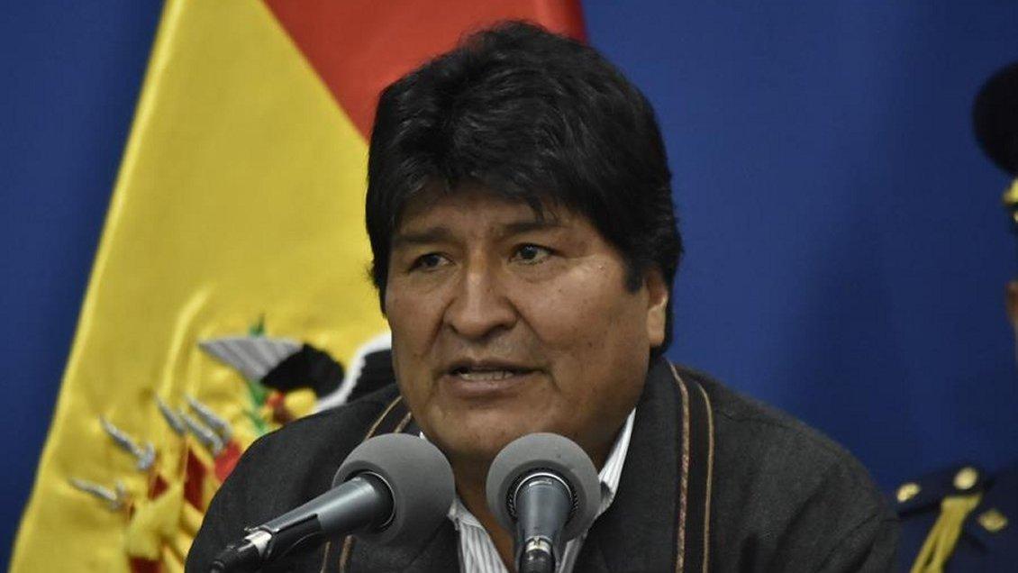 Evo Morales calificó de golpistas a quienes atacaron sedes de su partido
