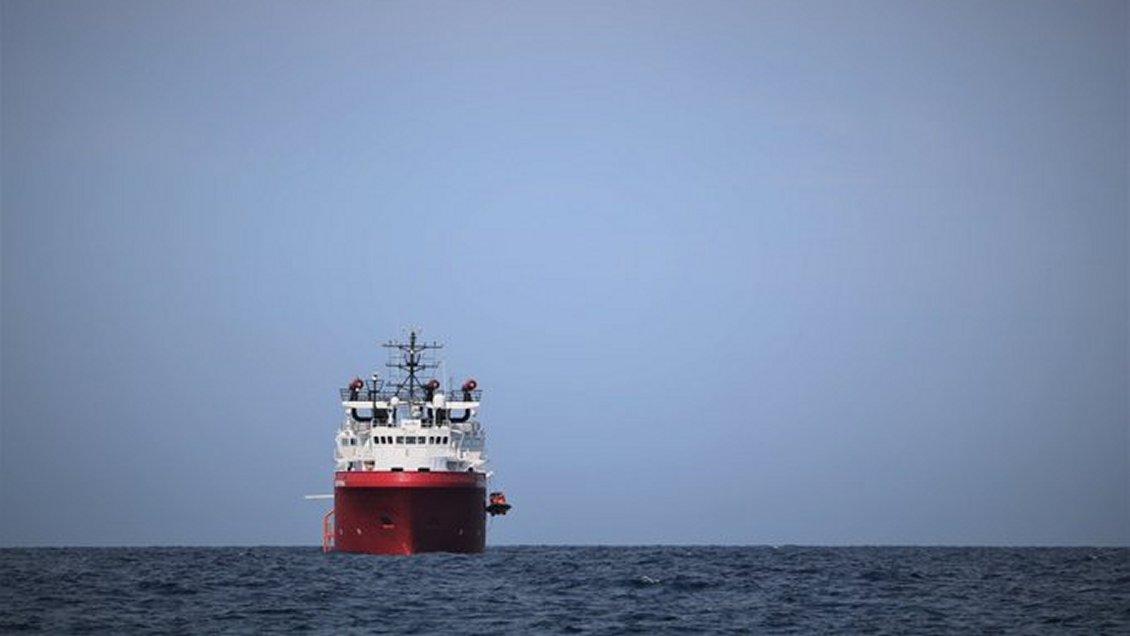 Italia autorizó el desembarco de 82 migrantes en el puerto de Lampedusa
