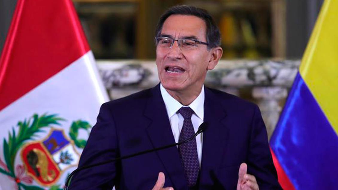 Presidente de Perú insiste en adelantar las elecciones generales
