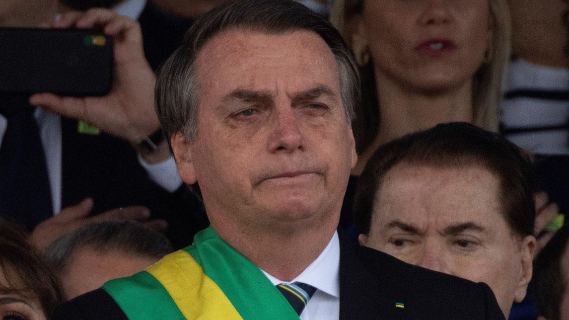 Bolsonaro promulgó ley que autoriza a hacendados andar armados en sus tierras