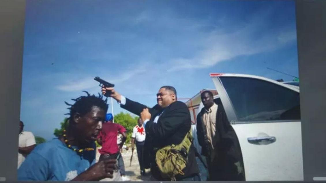 Senador haitiano abrió fuego contra manifestantes e hirió a un fotoperiodista